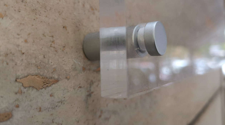 Cos'è il plexiglass? Un'utile alternativa al vetro